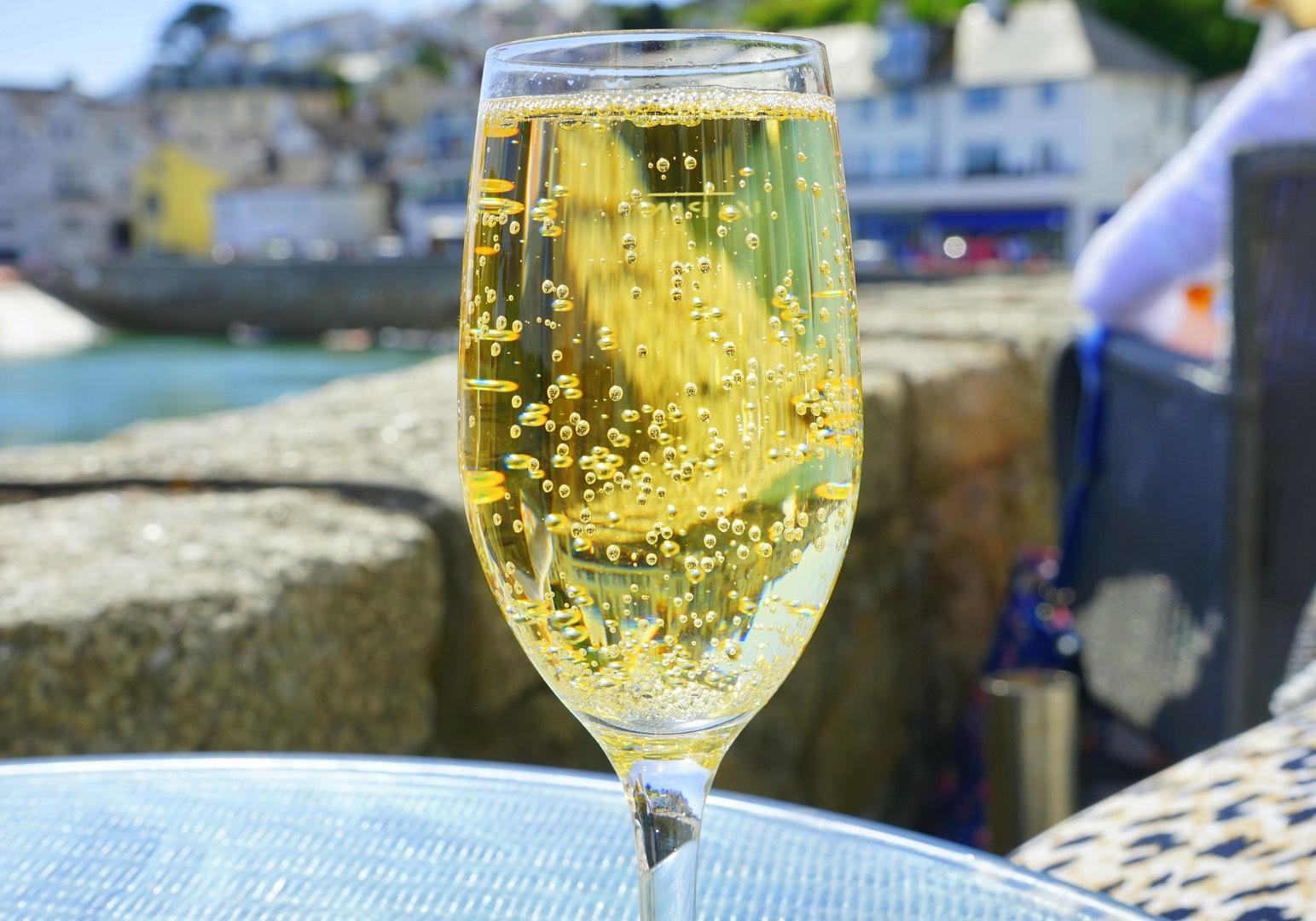 Sparkling Wine_Blog article